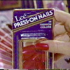 Hahaa. My boyfriends little brother always said my press on nails looked pretty! (my nails were real)
