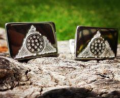 Colleras de plata, grabadas a mano, diseño USAR Valparaiso / Silver Cufflinks, Hand Engraved, USAR Valparaiso design / #colleras #hechura #joyeria #hechoamano #bomberos #usar #valparaiso #chile #handmade #jewelry #cufflinks #fireman #firefighters #handengraved