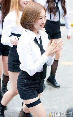 WJSN ♡ Park SooBin 박수빈 commute 160820 #우주소녀 :: 상큼상큼열매를 먹었는지 미모가 상큼상큼~
