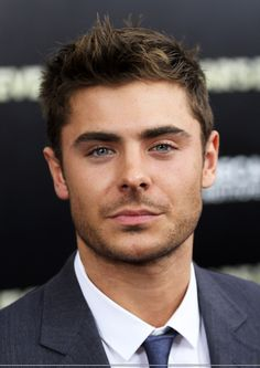 Zac-Efron-New-Years-Eve-New-York-PREMIERE-zac-efron-27500915-1814-2560.jpg 1,814×2,560 pixels
