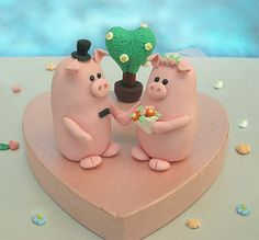 New images of my Piggies wedding cake toppers!