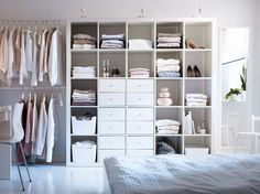 Resultado de imagen para VIKANES minimal wardrobe