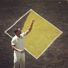The Aussies are searching for wickets in the final session on day three with Virat Kohli looking in ominous form #AUSvIND