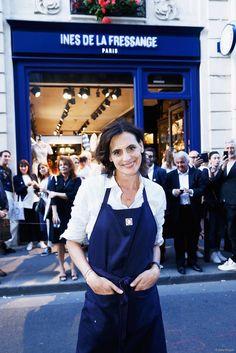 Ines de la Fressange, devant sa toute nouvelle boutique parisienne, le 27 mai 2015.