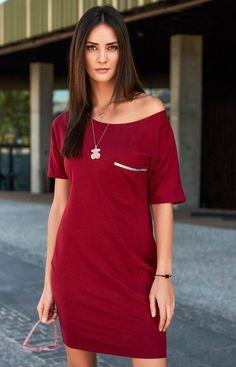 785c65917a Numinou NU154 sukienka bordowa Prezentujemy uniwersalną sukienkę dla każdej  kobiety