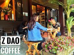 """""""CHECK-IN"""" NGAY ĐỊA CHỈ 10 QUÁN CAFE CÓ VIEW ĐẸP VÀ LÃNG MẠN Ở SAPA  ---------------------------------🌟🌟🌟-----------------------------------  🍁 Nếu du khách muốn uống café và ngồi tâm sự trong một buổi chiều trên Sapa cùng bạn bè, vừa nhâm nhi ly nước vừa ngắm cảnh thiên nhiên.  🍁 Tại sao không """"Check-in"""" ngay địa chỉ 10 quán cafe có view đẹp và lãng mạn ở Sapa sau?"""