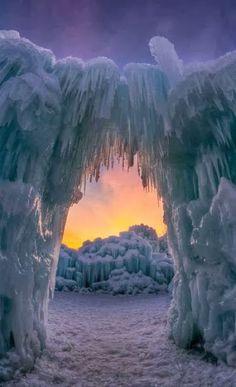 Ice Castle, Utah Amazing World