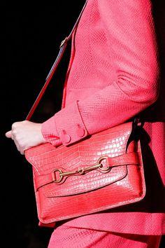 www.designer-bag-hub com discount Gucci Handbags for cheap, 2013 latest Gucci handbags wholesale,  cheap brand handbags online outlet, free shipping cheap Gucci handbags