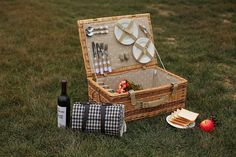 Natural materials willow picnic basket/wicker hamper, View cheap picnic baskets, QINGCHEN Product Details from Linyi Qingchen Import & Export Trading Co., Ltd. on Alibaba.com
