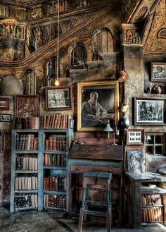 Library loft at Fonthill Castle, Doylestown, (USA) - Diy for Home Decor Beautiful Library, Dream Library, Library Books, Magical Library, Hogwarts Library, Library Corner, Magical Room, Old Libraries, Bookstores