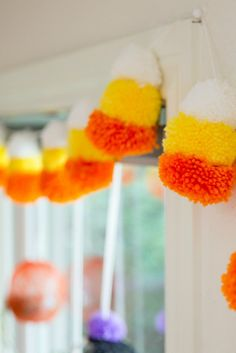 DIY Candy Corn Pompo