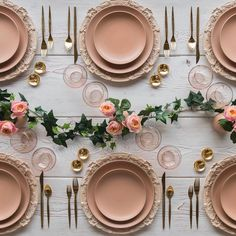 Gorgeous rose gold tones styling ✨