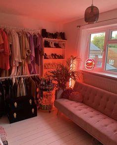 Neon Room Decor, Cute Room Decor, Room Design Bedroom, Room Ideas Bedroom, Chill Room, Retro Room, Pink Room, Aesthetic Room Decor, Dream Rooms