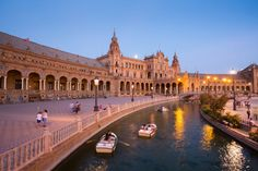 There's no chance you'll get bored with this list of 50 things to do in the city, including Seville Cathedral, bullfighting and much more. Romantic Destinations, Holiday Destinations, Travel Destinations, Tour Eiffel, Monuments, Rio Santa Cruz, Budapest, Angkor Vat, Le Taj Mahal