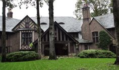 Salvatore Boarding House - the front yard When I graduate and build my home...