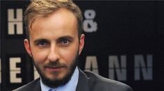 Jan Boehmermann accused of making jokes about the Turkish leader. Mer