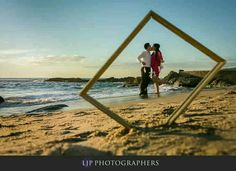 engagement pictures in 2019 свадебные Pre Nup Photoshoot, Pre Wedding Photoshoot, Beach Engagement Photos, Engagement Shoots, Country Engagement, Fall Engagement, Candid Photography, Engagement Photography, Wedding Photography