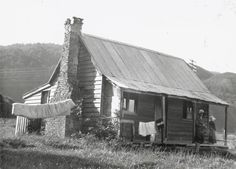Pumpkin Cottage, Silverstream, Upper Hutt, Wellington, in It was previously used as a studio for artist James Nairn. The Hutt, Nz Art, Small Cottages, Kiwiana, Cottage Exterior, Old Buildings, Old Pictures, New Zealand, Past