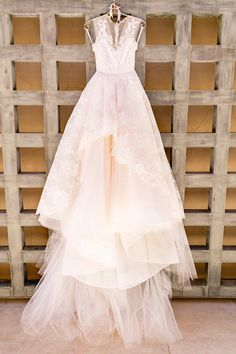 Vintage lace wedding dress | Photography: Chard - http://www.chardphoto.com/blog/