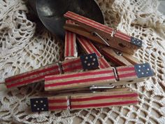 You will receive a set of I hand paint these on one side only then finished them all over with an antiquing gel for a Americana Home Decor, Americana Crafts, Patriotic Crafts, July Crafts, Primitive Crafts, Patriotic Party, Patriotic Clothing, Primitive Snowmen, Primitive Antiques