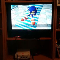 On instagram by perfectarmhair #dreamcast #microhobbit (o) http://ift.tt/1WxjRSv out the Dreamcast for the first time. It actually looks a lot better than I gave it credit for! Playing: Sonic Adventures #sega  #sonic #gaming #retro #gottagofast #gamergrill