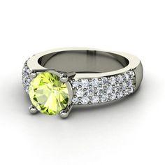 Mackenzie Ring  #Rings #Jewelry #Fashion  |  http://www.ringsoftheworld.com