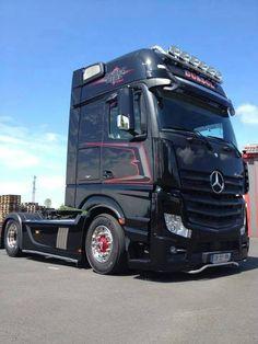 MB - TRUCK Big Rig Trucks, Cool Trucks, Mercedes Benz Commercial, Mb Truck, Road Hog, Carl Benz, Mercedes Benz Trucks, Mp5, Vintage Trucks