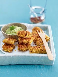 Feurige Hähnchen-Nuggets mit Guacamole