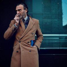 Alessandro @alecalascibetta @stylemagazineitalia by #ChillaxingROAD _ @cameramoda @fashion_week - Enjoy my #MMFW coverage  on www.gentlemensweardaily.com @gentlemen_wear_daily  _ #MFW #milan #fashion #style #streetstyle #alessandrocalascibetta #stylemagazine #stylemagazineitalia #corriere #corrieredellasera #menswear #gentleman #dandy #urban #elegance #travel #design #coat #denim #camelcoat #camel #menwithclass #menwithstreetstyle #menwithstyle #beauty #fashiondiaries #urbanwear #lifestyle