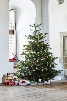 Sostrene Grene - Christmas Catalogue 2016 |  Christmas tree idea