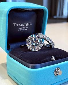 Diamond Rings White Gold Over Solitaire Round Diamond Engagement Wedding Bridal Ring Set Diamond Rings, Diamond Jewelry, Jewelry Rings, Solitaire Rings, Solitaire Diamond, Jewelry Watches, Diamond Crown, Halo Rings, Dream Engagement Rings