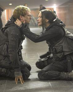 Peeta Mellark - Katniss Everdeen - Mockingjay part 2 - Everlark