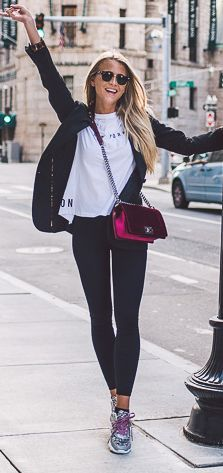 Janni Deler Pop Of Color Everyday Stylish Fall Outfit Idea