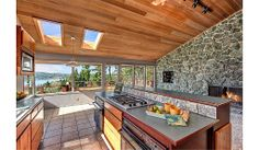 http://www.zillow.com/digs/craftsman-kitchens-5717746099/