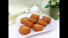 Easy French Recipes - Salted Butter Biscuits Egg Yolk Recipes, Easy French Recipes, Easy Biscuit Recipe, Individual Desserts, French Pastries, Mini Muffins, Lemon Curd, French Food, Salted Butter