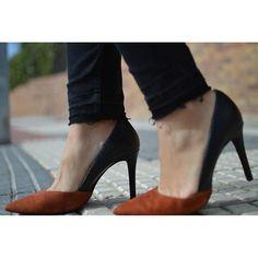 """""""Buenos días!! Comenzamos pisando fuerte!!! A por el martes!! #zapatos #stiletto #zara #bicolor #tacones #heels #loveshoes #eltrasterodecris"""" Photo taken by @eltrasterodecris on Instagram, pinned via the InstaPin iOS App! http://www.instapinapp.com (02/16/2016)"""