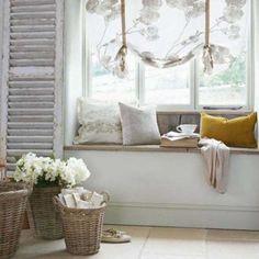 Vytvorte si útulné zákutie pri okne, kde načerpáte novú energiu | Vidiecky štýl