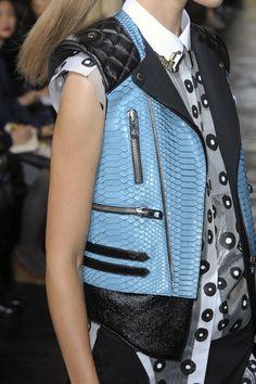 Balenciaga Spring 2011 - Details