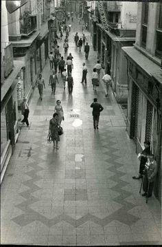 Málaga. Antigua. Calle Nueva, Año 1960.  Del Archivo Fotográfico Municipal de Málaga. Costa, Malaga, Street View, Spain, Dreams, Sun, B W Photos, Antique Photos, Street