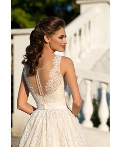Luxusné svadobné šaty na predaj ihneď k odberu - Salonevamaria.sk Svadobný  Deň 90535488274