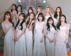 iz*one : photo group 👼🏻 Kpop Girl Groups, Kpop Girls, K Pop, Yu Jin, Japanese Girl Group, Soyeon, 3 In One, Bridesmaid Dresses, Wedding Dresses