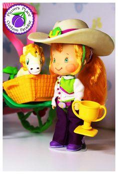 Custom doll of Strawberry Shortcake character named Annie Oatmeal in Big Country Fun