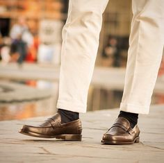 "Walking with our Loafers ""Rilasàa. Loafer Shoes, Loafers Men, Men's Shoes, Dress Shoes, Shoe Game, Mens Fashion, Style Fashion, Dapper, Gentleman"