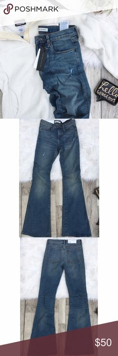 "Banana Republic Distressed Flare Jeans Banana Republic || These jeans pair perfectly with a pair of wedges. Features a lightly distressed look. new with tags.   •color: dark blue •size: 25  Approx Measurements (laying flat):     •total length: 43.5""     •inseam: 34.5""     •waist: 13""     •flare: 11.5""  •no trades(comments politely ignored) •bundle to save Banana Republic Jeans Flare & Wide Leg"