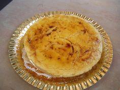 Pastís mousse de crema catalana cremada.