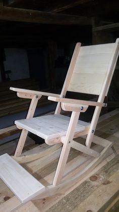Ако търсите перфектният подарък за уютните вечери до камината, ви представям автентичен люлеещ се дървен стол! За повече информация пишете на лично съобщение.