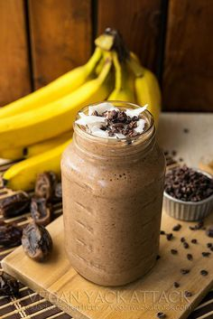 Banana Cacao Recovery Smoothie with no sugar..
