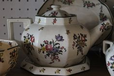 Royal Doulton Old Leeds Sprays large teapot with underplate