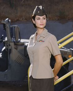 Catherine Bell as Maj/Lt. One Of My Favorite Actresses. Cathrine Bell, Lisa Bell, Corps Parfait, Military Women, Women Police, Naval, Hollywood, Girls Uniforms, Hot Brunette
