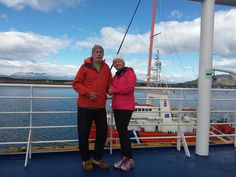Milos and Maria traveled from Canada with the dream of knowing Patagonia, they embarked on an expedition journey that they will never forget. Penguin S, Cruise Travel, Vacation Places, End Of The World, Antarctica, Dolphins, Patagonia, Lighthouse, Destinations